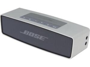 Bose Soundlink Mini Bluetooth Speaker with Cover and Case