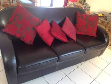 Leather Club Sofa classic vintage retro style Wamberal Gosford Area Preview