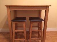 Solid oak breakfast bar table + 2 stools
