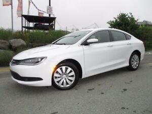 2016 Chrysler 200 LX (ONLY 600 KMS!!! ONLY $18490!!! 2.4L 4 CYL,