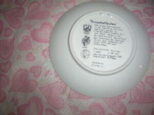 Rumpelstilzchen collectors plate,Purple vase,Chistmas deer. Kingston Kingston Area image 2
