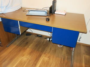 Steel Desk with 4 drawers