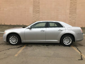 Chrysler 300 Excellent cond, Finance @ $0 Down $130 Bi/Wkly  oac