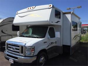 2008 Winnabago Outlook RV 31C**TRADES & FINANCING AVAILABLE**