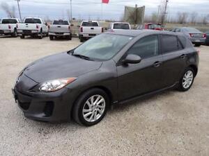 2012 Mazda 3 Sport GS auto only 100,000km We Finance
