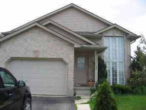 Fanshawe 2 Rooms Available London Ontario image 1
