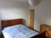 Large Double Room with En-suite - £850 pcm inc. bills - Brentford, TW8