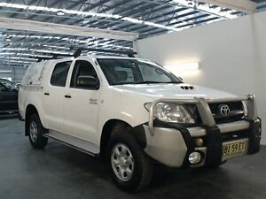 2010 Toyota Hilux KUN26R 09 Upgrade SR (4x4) White 5 Speed Manual Dual Cab Pick-up Beresfield Newcastle Area Preview