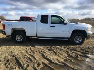 08 Chev Silverado 2500HD LT Only 84kms Warranty and Financing