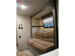2015 Palomini 150RBS Ultra Lite Travel Trailer with Slideout Stratford Kitchener Area image 15