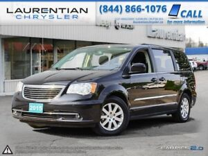 2015 Chrysler Town & Country -GREAT FEATURES INSIDE!
