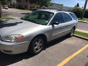 2004 Ford Taurus Fully loaded Hatchback