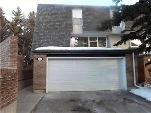 Braeside SW | 1500SQFT END UNIT TOWNHOME WITH DOUBLE GARAGE