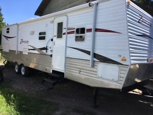 2010 CROSS ROADS ZINGER 31 SB TRIPLE BUNK TRAILER !!
