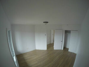 Beautiful Spacious 2 Bedroom For Rent, 16641 Pierrefonds West Island Greater Montréal image 6
