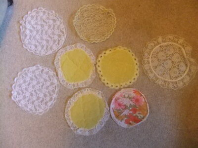 8x Vintage RETRO DOILIES MATS TABLE FURNITURE LINEN lace nylon sell 4 upcycle