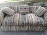 Divan lit / sofa lit / couch hide a bed / pull out couch