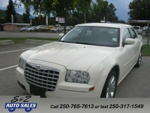 2005 Chrysler 300 KELOWNA ONE OWNER! Cream-white!