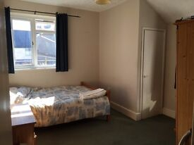 Lodger wanted: Double Room in beautiful home, all bills inc.