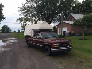 1998 GMC Sierra 1500 Pickup Truck with reefer cap