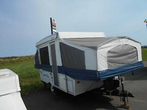 12 foot tent trailer - with extra 10 * 10 screen room attached