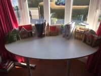 Ikea white desk/table - large oval