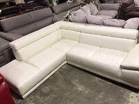 Corner leather settee (Ivory)