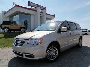 2013 Chrysler Town & Country Touring w/ Leather
