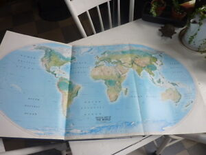 Vintage 1990 National Geographic Atlas