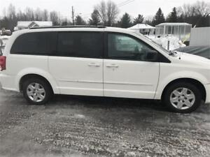 Dodge grand caravan stow and go 2012 88000 km seulement