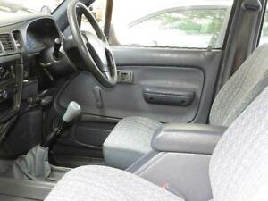 2001 Toyota Hilux RZN149R MY02 White 5 Speed Manual Utility