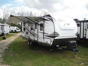 2017 Solaire 240BHS Travel Trailer w Bunkbeds & O/S kitchen Stratford Kitchener Area image 1