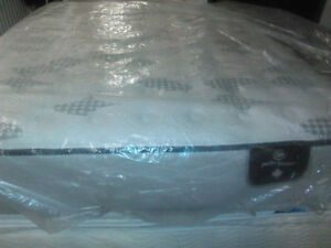 BRAND NEW Queen SIZE SERTA PERFECT SLEEPER SET--FREE DELIVERY