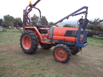 KUBOTA  L3300 TRACTOR 35 HP 4X4 Ouse Central Highlands Preview