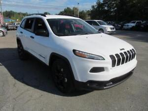 2018 Jeep Cherokee Altitude 4x4/heated seats/V6 + 0%