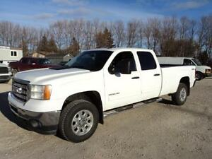 2014GMC Sierra 2500 HD Crew Cab 8 ft box 4x4