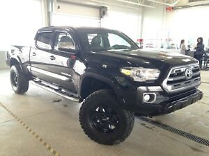 2016 Toyota Tacoma Limited, Lift Kit, Heated Leather, Navi, Back