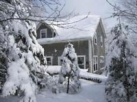 Beautiful lakefront cottage 20 min. from Ski Martock