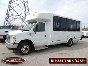 2009 Ford E350 SD 12 Passenger BUS