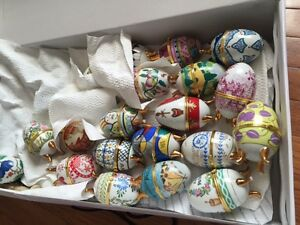VICTORIAN PORCELAIN EGGS WITH THE BOOKS