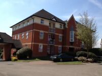Modern unfurnished 2 bedroom second floor flat in Abingdon Town Centre