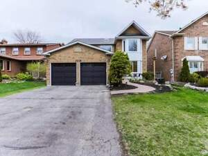 Spacious 4 Bdrm Home Has Oak Cabinetry In Kitchen *PICKERING*