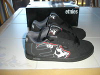 """Boys Etnies shoes """"Metal Mulisha special edition"""" size 4 *NEW"""