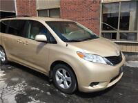 2012 Toyota Sienna LE 8 passagers tres Propre!
