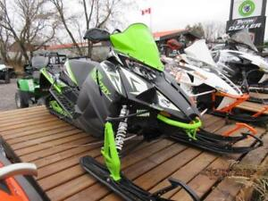 18 XF 8000 CROSS COUNTRY 137 DEMO FOR SALE!