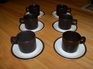 Doverstone English Pottery - Mugs & Saucers -like new(12 pieces)