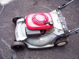 Honda HRB 215 Lawnmower (self-propelled)