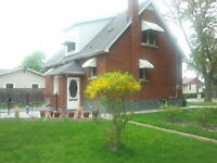 Neat 4 bed Detached- 1-1/2 Story 1 block from Lake