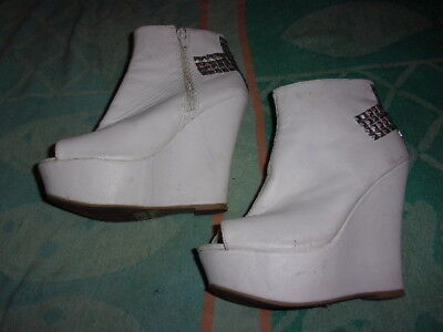 Qupid WHITE ZIPPER WEDGE Shoe/Sandals WOMEN'S SIZE 7 (5 INCH HEEL)   for sale  Shipping to Nigeria