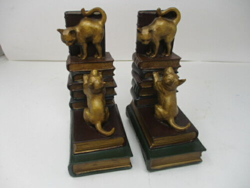Pair of Vintage/Antique Dog and Cat Bookends  Very Good Condition